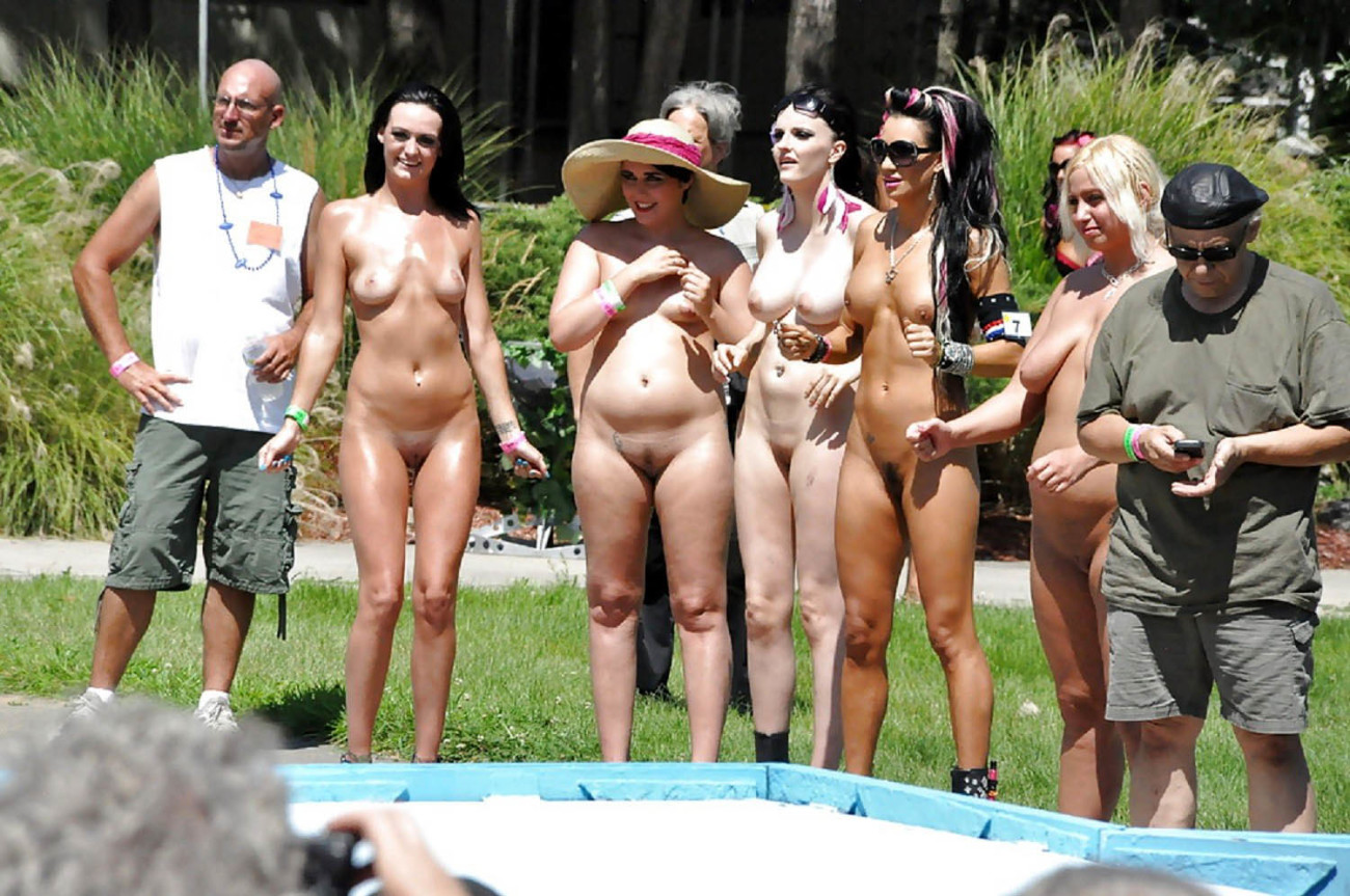 Nudists family naked beach - VoyeurPapa