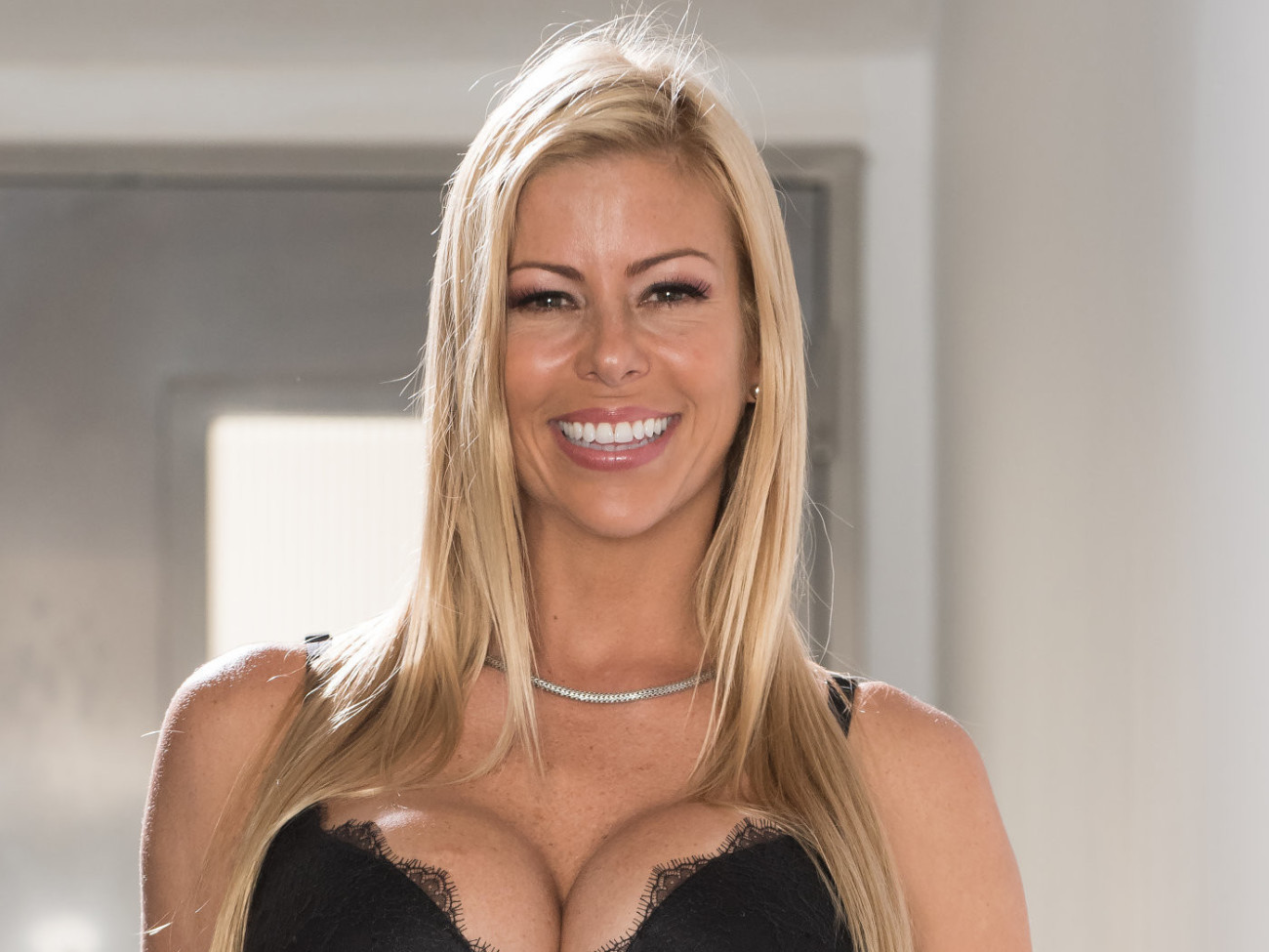 Cougar Adult movie stars 005, Alexis..