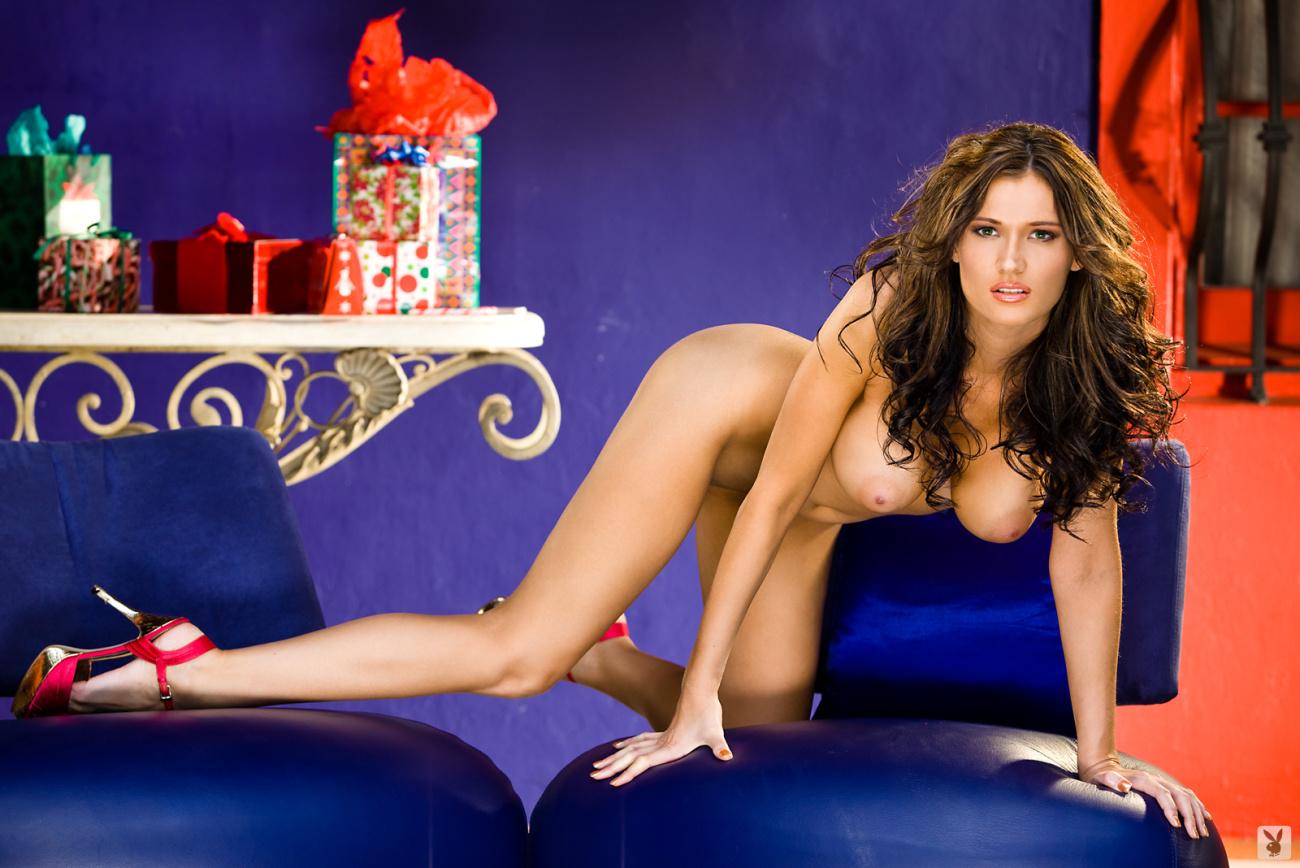 Celeb Leaked Nude: Amanda Hanshaw