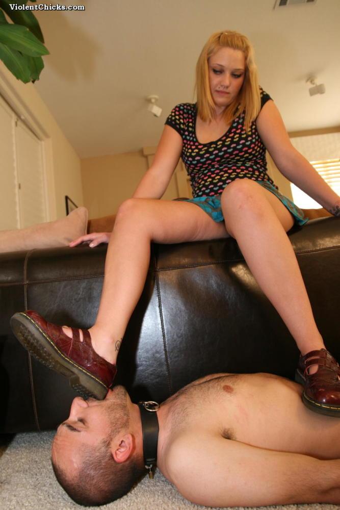 Aggressive Femmes - First-timer female..