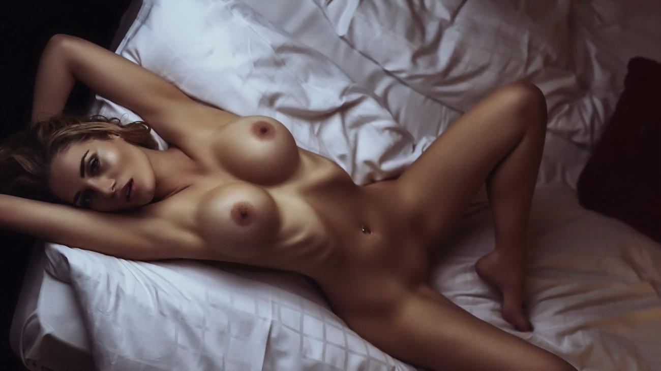 Anna Maxwell Martin  nackt