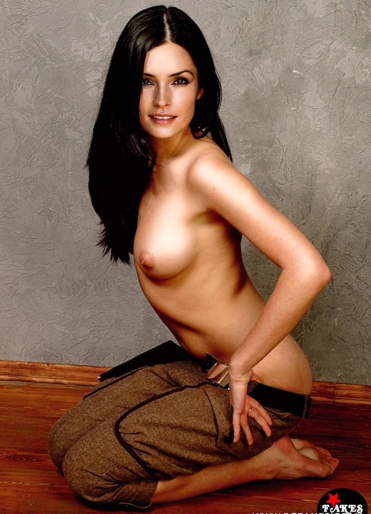 Janssen topless famke Famke Janssen's
