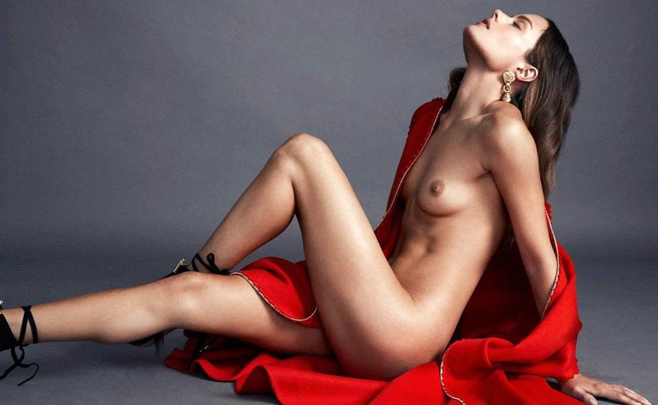 Henwick topless jessica 41 Sexiest