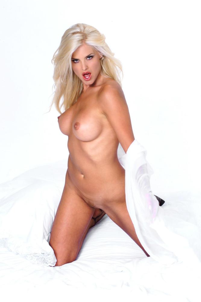 Victoria Silvstedt bare nude..