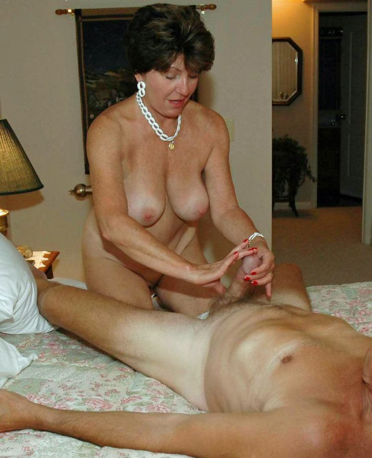 First-timer images bevy of kinky moms..