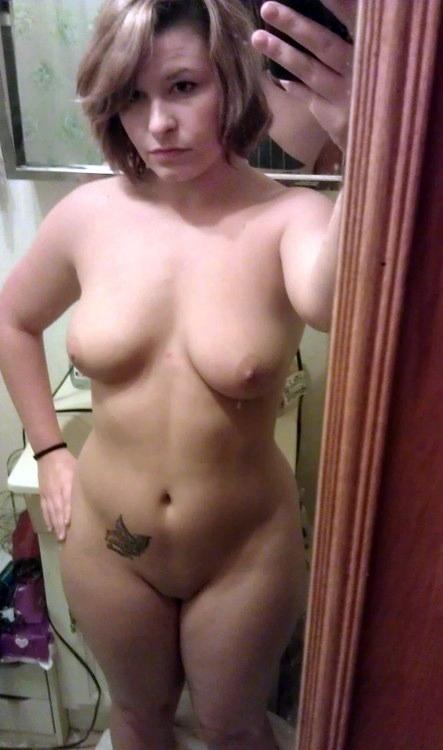 Homemade erotic, self-shot bare pics