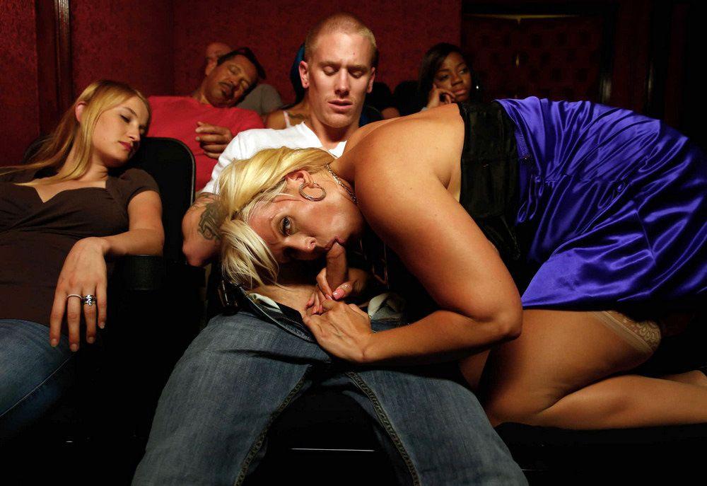Alura Jenson doing oral pleasure for..