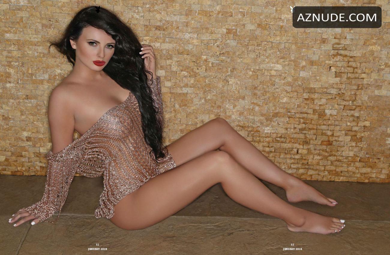 Elizabeth Ruiz  nackt