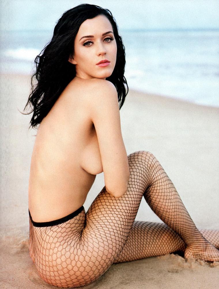 Katy Perry Bra-less Ultra-cute Fun..